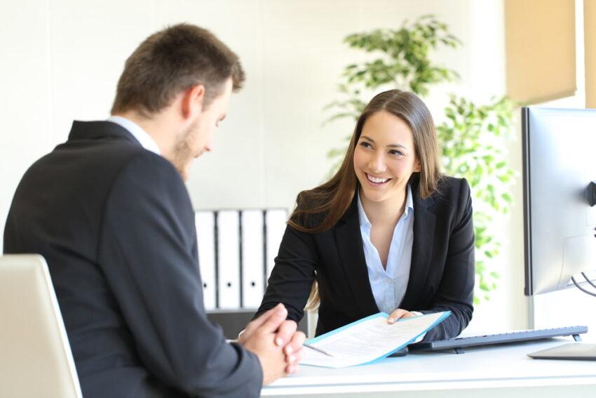 転職のプロが情報管理し求人を紹介!転職活動にはエージェントの利用もあり